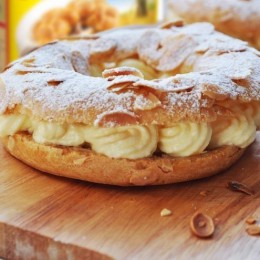 Choux pastry creamy cottage cheese cakes with almond